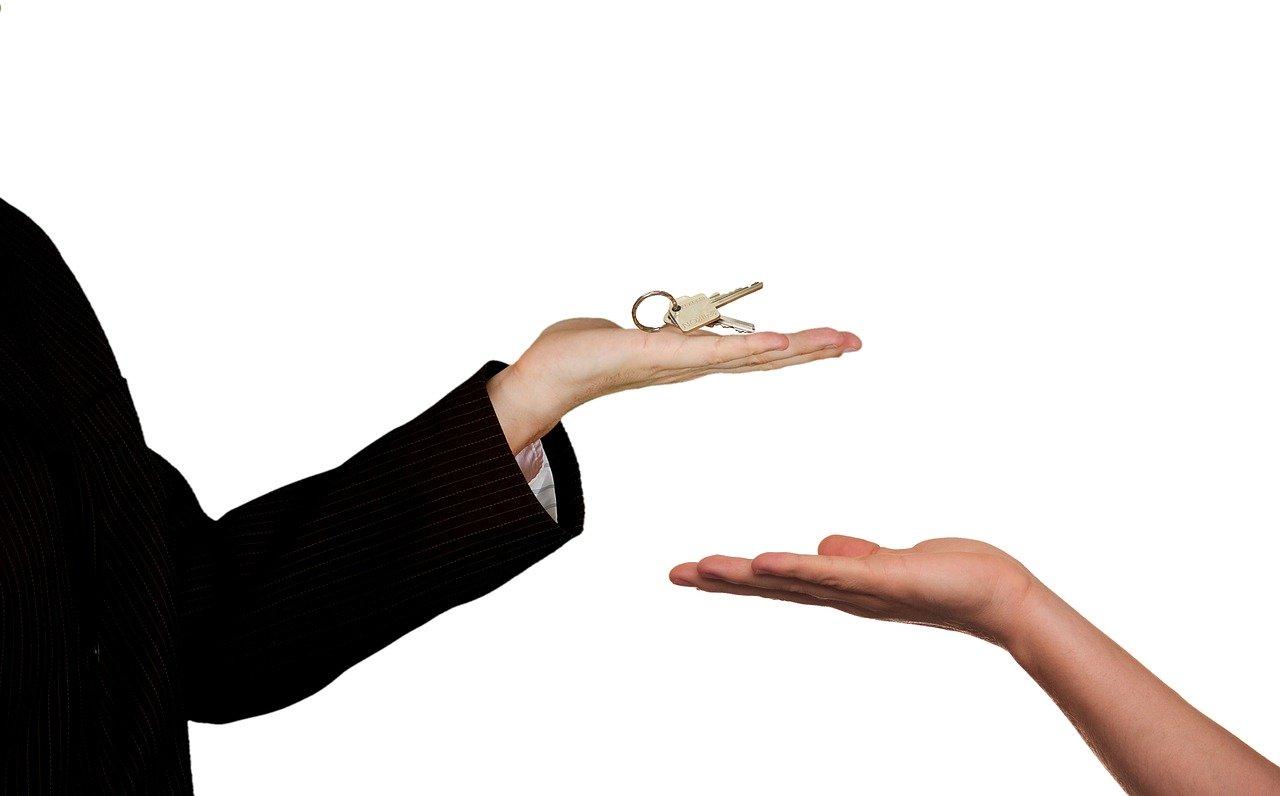 Penser à contacter plusieurs agents immobiliers pour l'achat d'un bien.